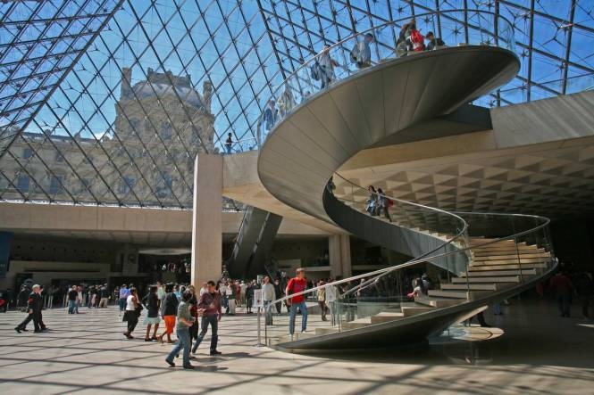 Pyramid-Louvre-staircase